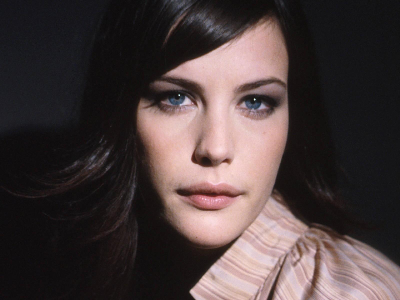Wallpaper di Liv Tyler - l'attrice è nata il 1 luglio 1977, a New York sotto il segno del Cancro