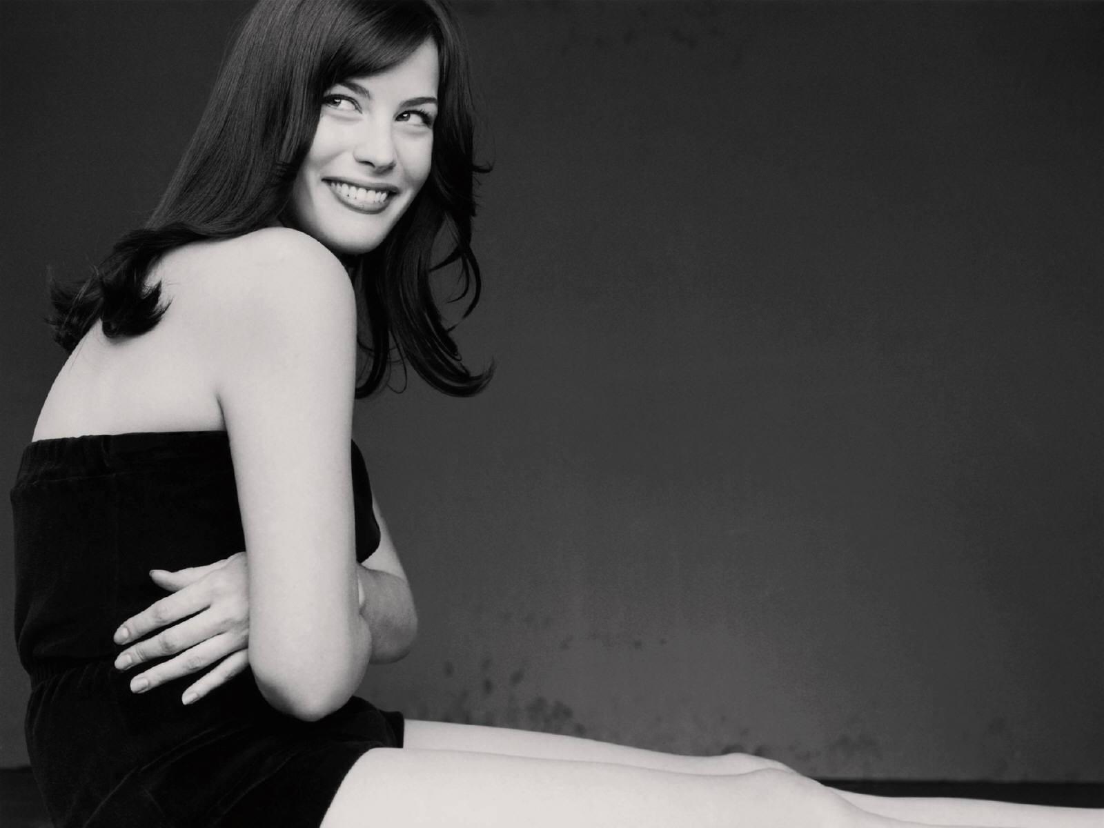 Wallpaper di Liv Tyler in bianco e nero