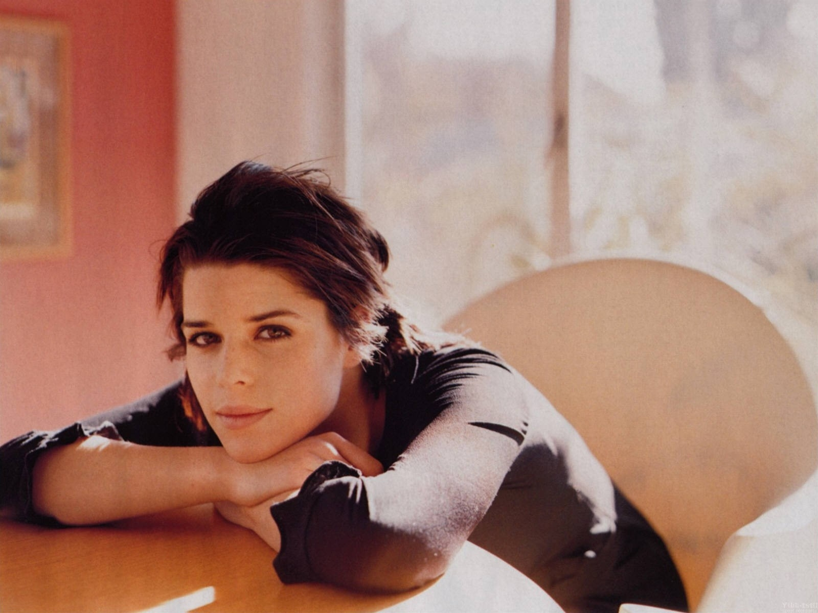 Wallpaper dell'attrice Neve Campbell