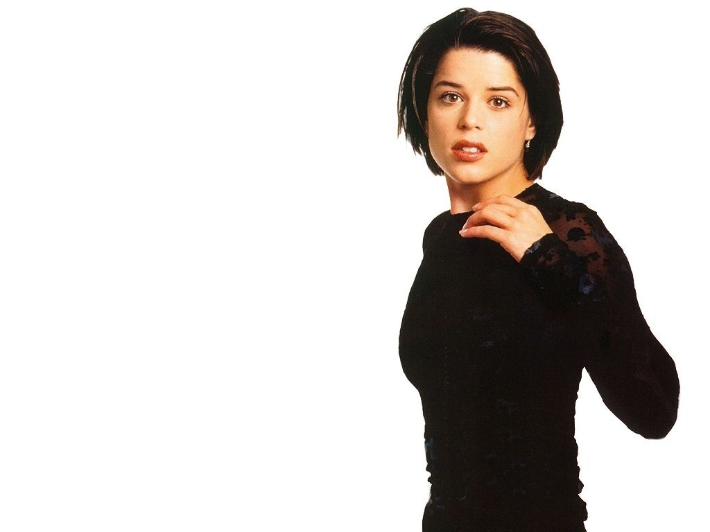 Wallpaper di Neve Campbell in abito nero