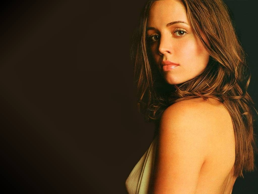 Wallpaper di Eliza Dushku, star della tv americana