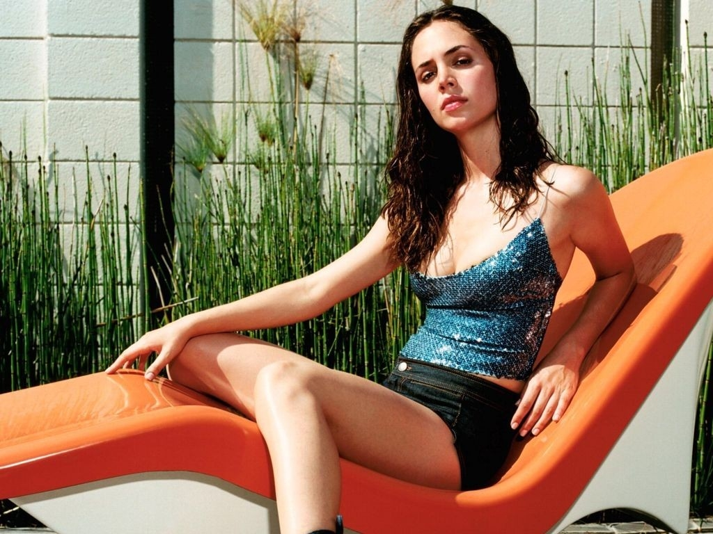 Wallpaper di Eliza Dushku, 'bambola' di Whedon in Dollhouse