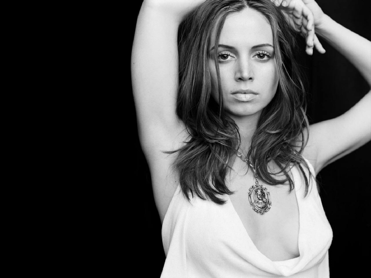 Wallpaper di Eliza Dushku in b/n