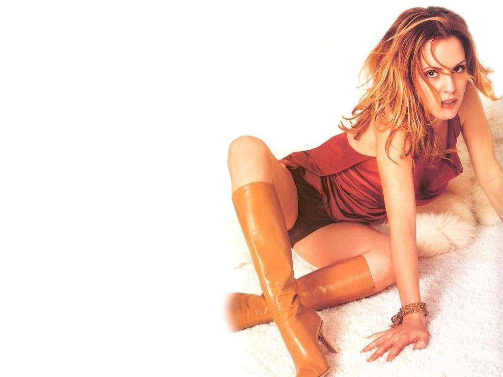 Wallpaper di Emma Caulfield, splendida gatta con gli stivali