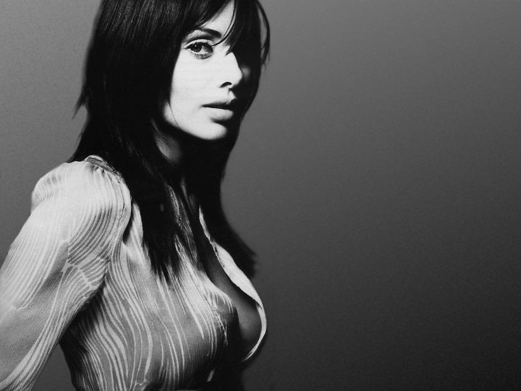 Wallpaper di Natalie Imbruglia in bianco e nero