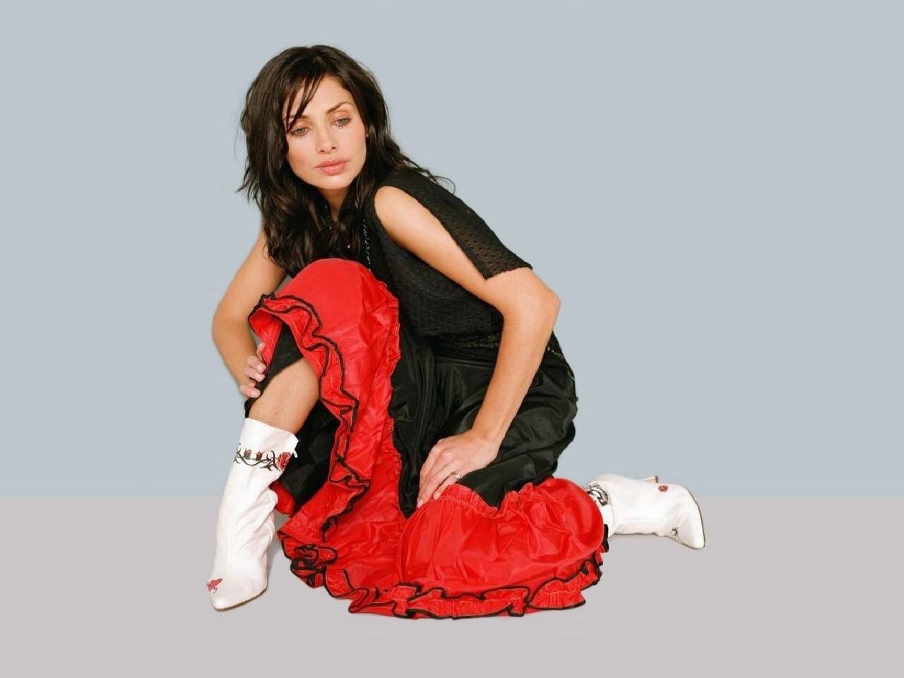 Wallpaper di Natalie Imbruglia - l'attrice e cantante è nata il 4 febbraio 1975, in Australia sotto il segno dell'Acquario