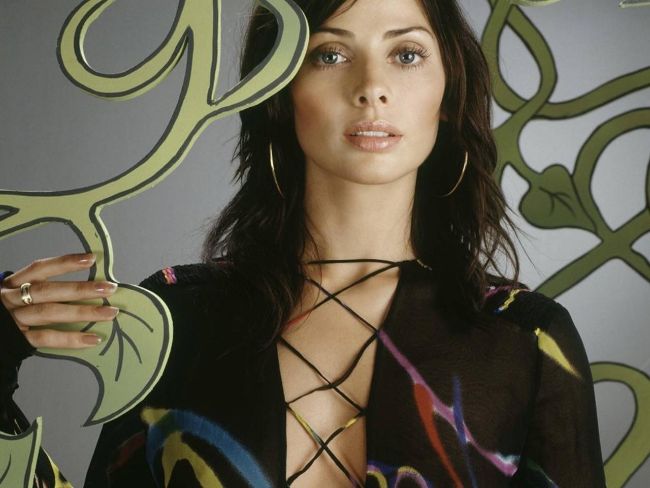 Wallpaper di Natalie Imbruglia in un abito a rete