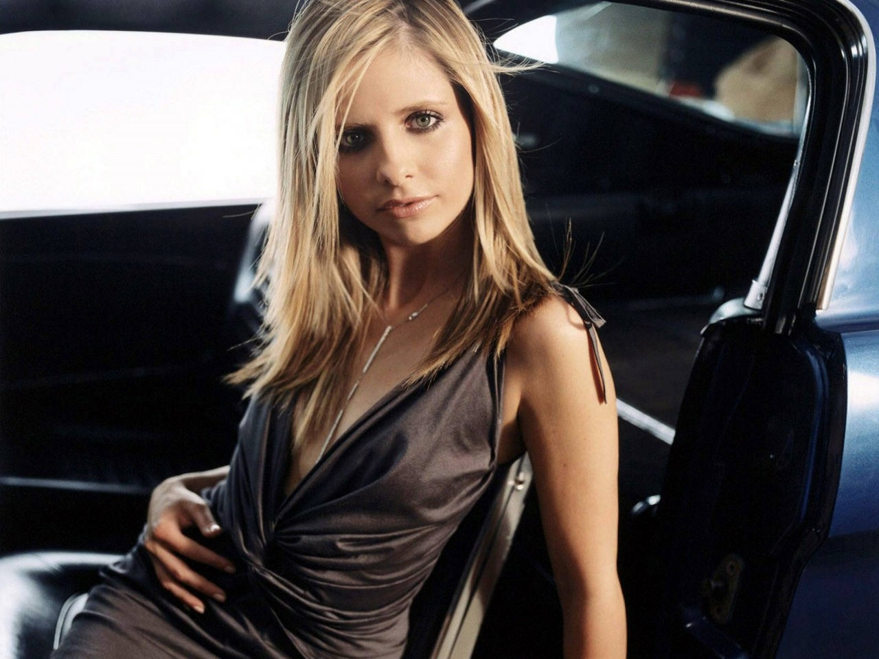Wallpaper: una seducente Sarah Michelle Gellar
