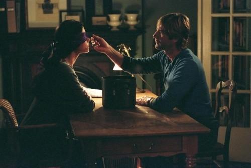 Catherine Zeta-Jones e Aaron Eckhart in una scena della commedia Sapori e Dissapori.
