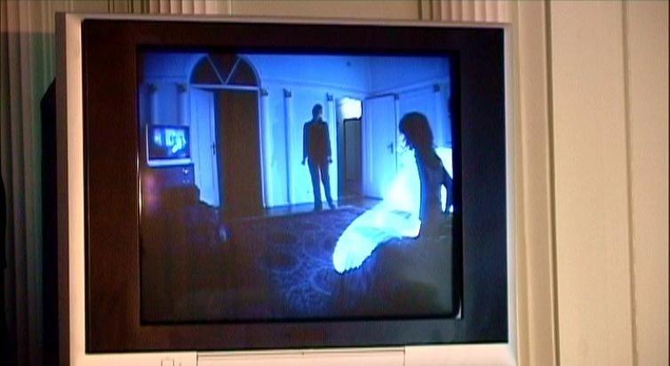 Laura Dern con Karolina Gruszka in una scena di INLAND EMPIRE
