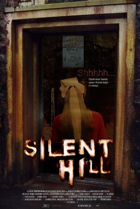 Una delle locandine di SILENT HILL, l'horror diretto da Christophe Gans nel 2007