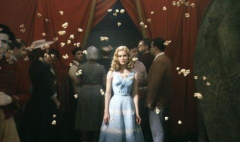 Alison Lohman in una scena di Big Fish di Tim Burton