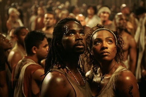 Harold Perrineau Jr. e Nona Gaye in una scena di MATRIX REVOLUTIONS