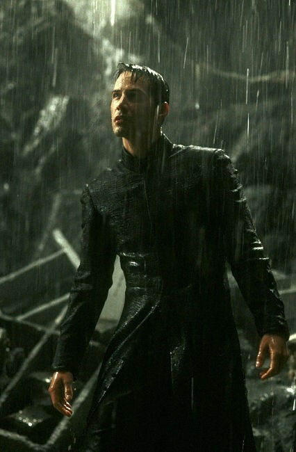 Keanu Reeves in una scena di MATRIX REVOLUTIONS