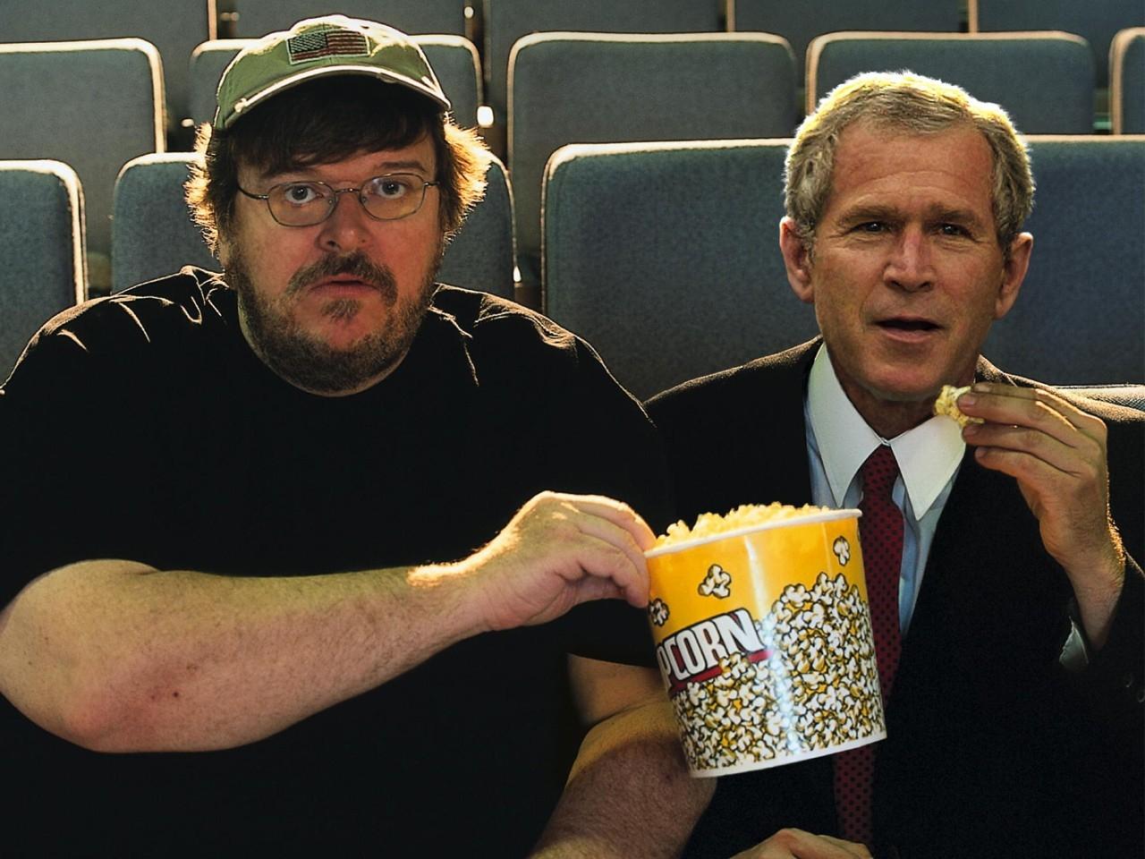 Wallpaper di Michael Moore in un irresistibile fotomontaggio con George W.Bush