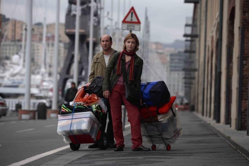 Antonio Albanese e Margherita Buy in una scena di Giorni e nuole