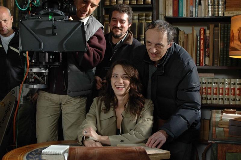 Asia e Dario Argento sul set de La terza madre insieme alla troupe