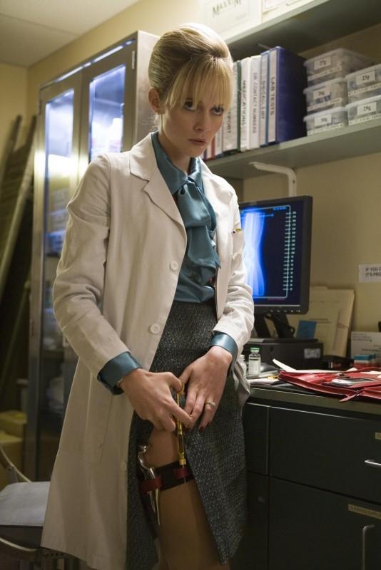 L'attrice Marley Shelton in una scena del film Planet Terror, episodio del double feature  Grind House