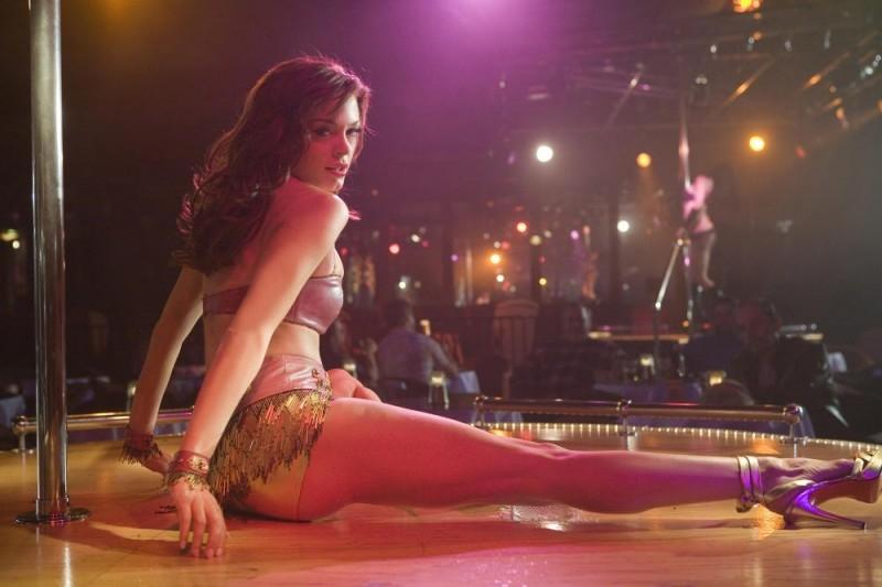 L'attrice Rose McGowan in una scena del film Planet Terror, episodio del double feature  Grind House
