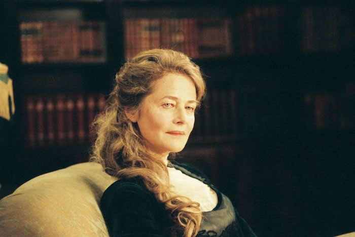 Charlotte Rampling in una scena del film Angel