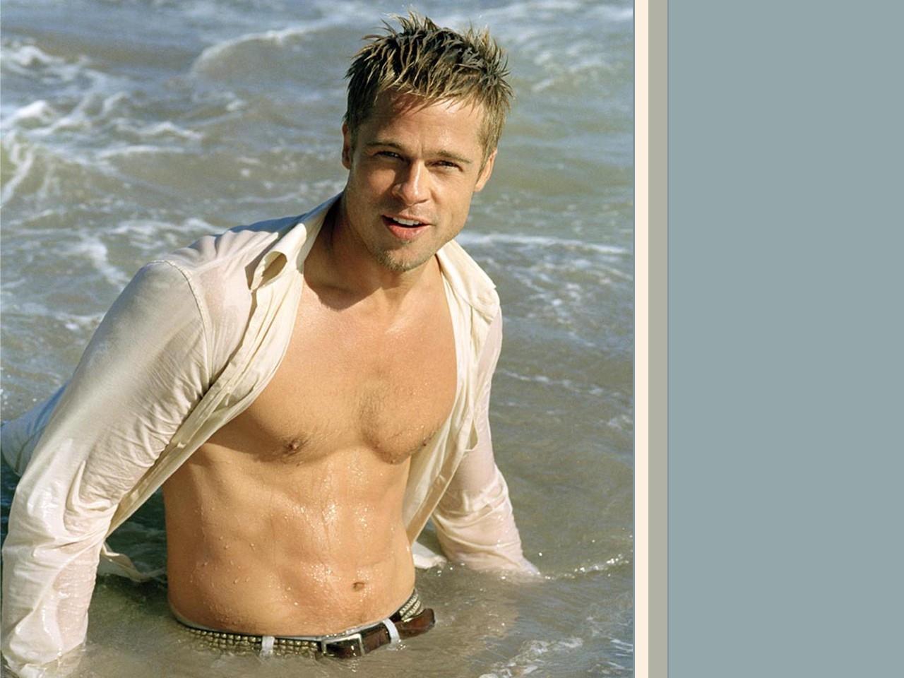 Wallpaper di Brad Pitt a torso nudo