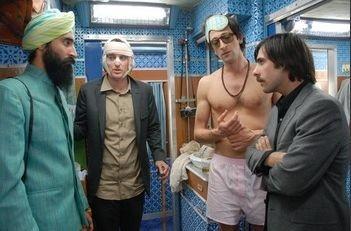 Jason Schwartzman, Owen Wilson e Adrien Brody in una scena del film di Wes Anderson Il treno per il Darjeeling