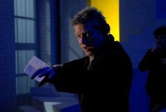 Kenneth Branagh sul set di Sleuth
