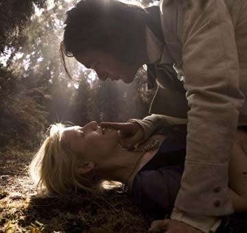 Charlie Cox e Claire Danes in una sequenza del film Stardust