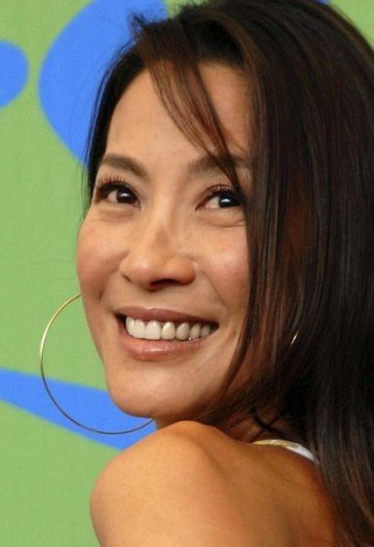 La bella Michelle Yeoh accompagna al Lido Far North