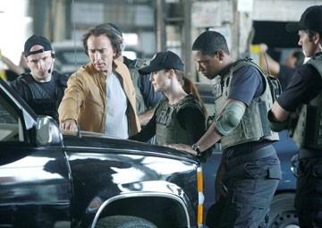 Nicolas Cage e Julianne Moore in una scena del fantathriller Next