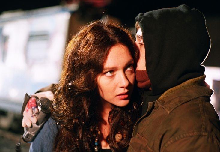 Cristiana Capotondi in una scena del film Scrivilo sui muri