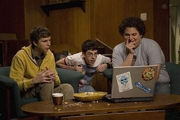 Jonah Hill, Michael Cera e Christopher Mintz-Plasse in una sequenza di SuxBad ??