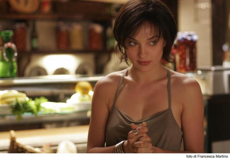 Una bella immagine di Carolina Crescentini in una scena del film Cemento armato