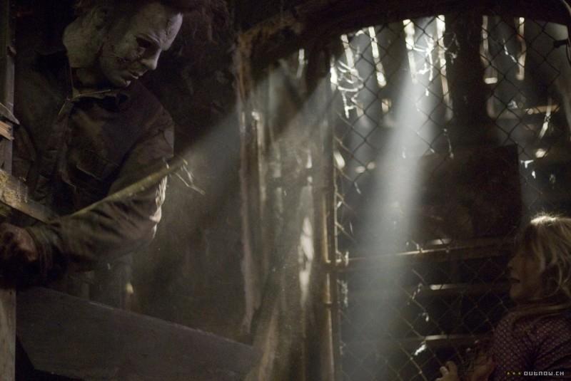 Tyler Mane in una sequenza del film Halloween