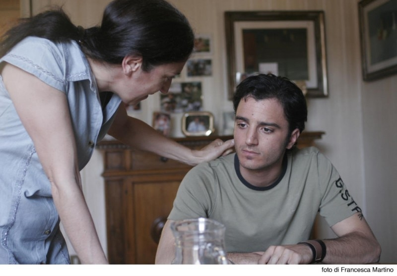 Nicolas Vaporidis in una scena del film Cemento armato