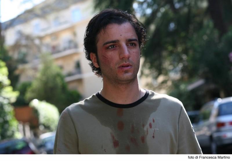 Nicolas Vaporidis in una scena del film Cemento armato, fotografato da Francesca Martino