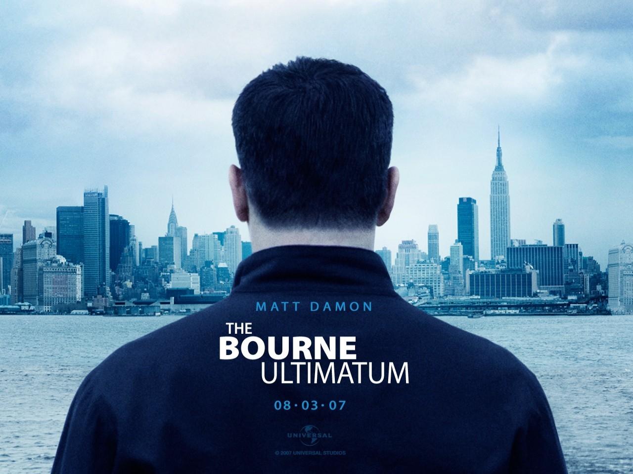 Wallpaper del film The Bourne Ultimatum con Matt Damon di spalle
