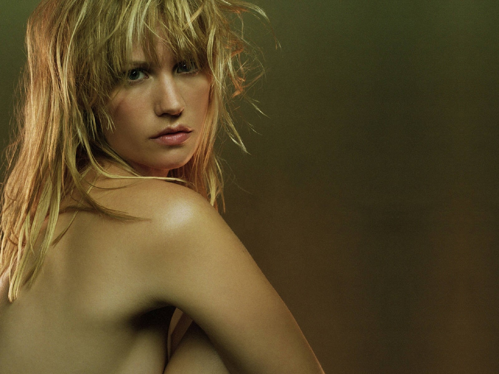 Wallpaper: un primo piano di January Jones