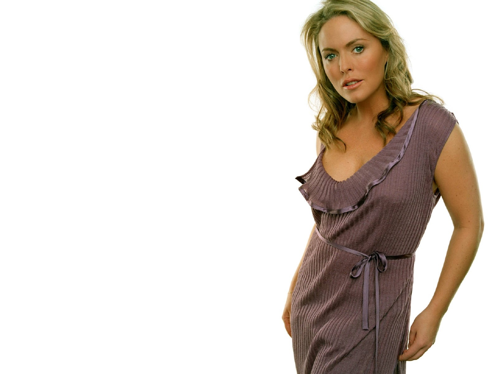 The Patsy Kensit Picture Pages - superiorpics.com