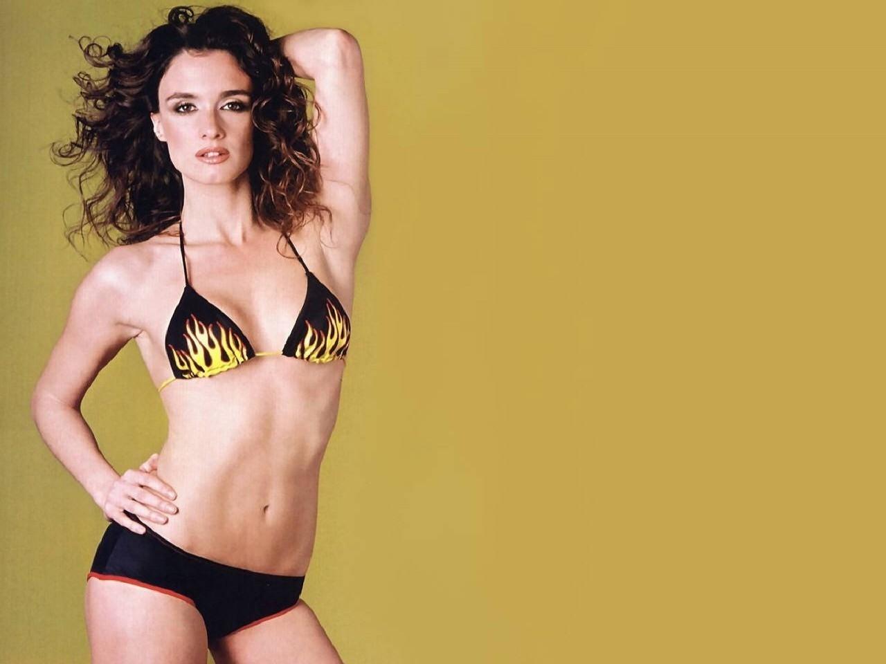 Wallpaper di Paz Vega in bikini