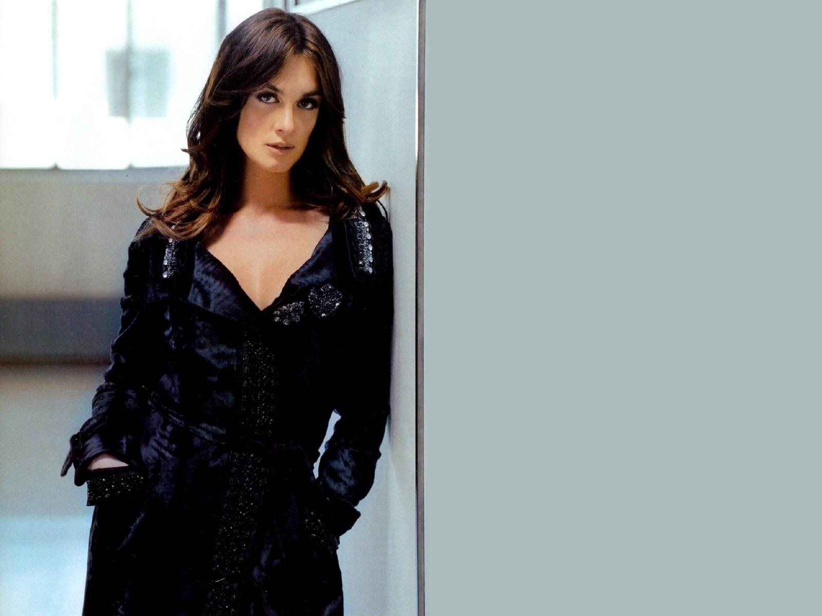 Wallpaper di Paz Vega - l'attrice spagnola è nata il 2 gennaio 1976, sotto il segno del Capricorno