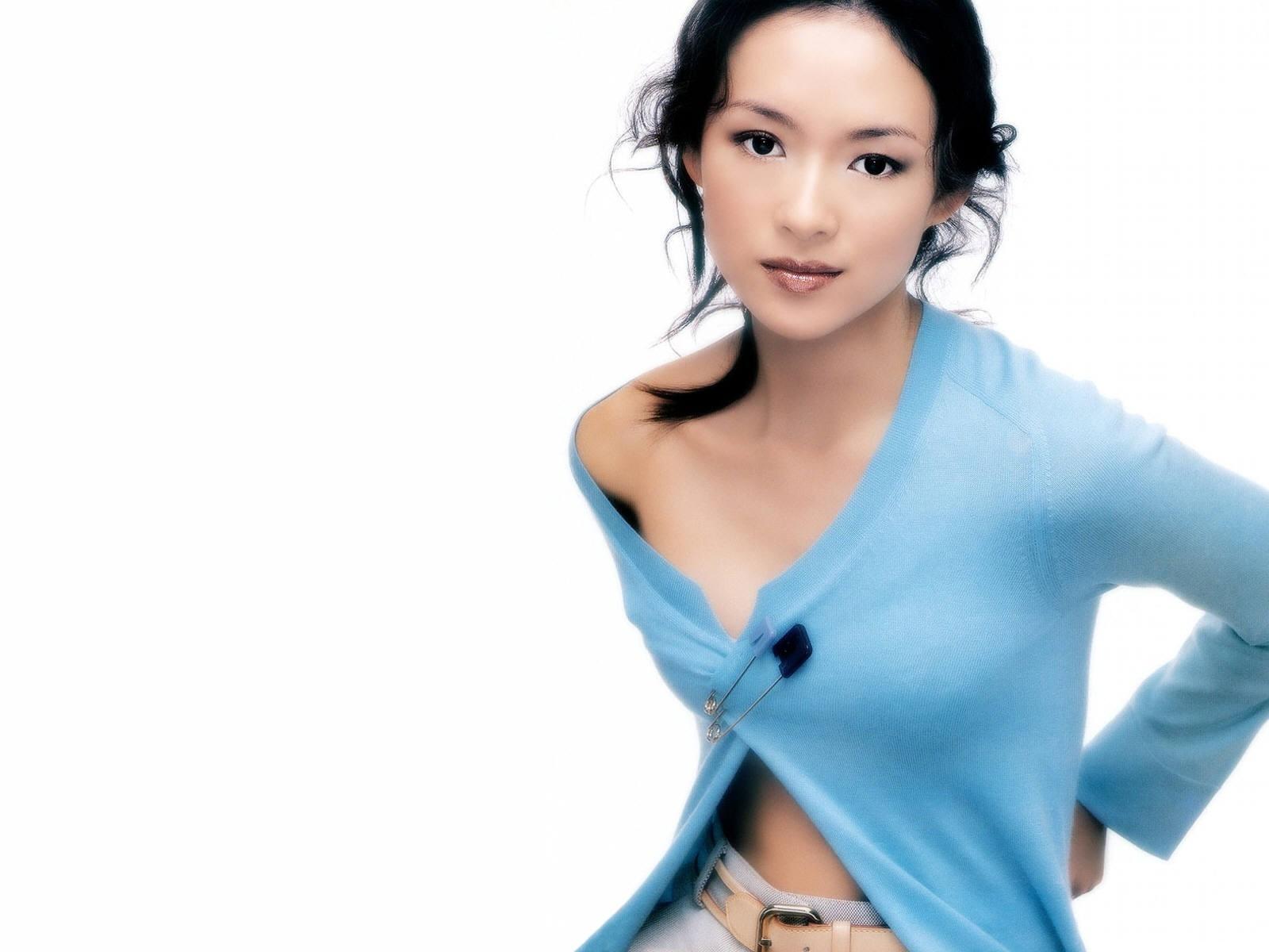 Wallpaper di Zhang Ziyi su sfondo bianco