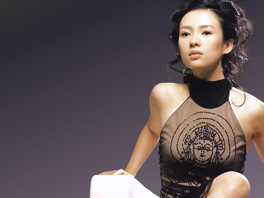 Wallpaper di Zhang Ziyi su sfondo nero
