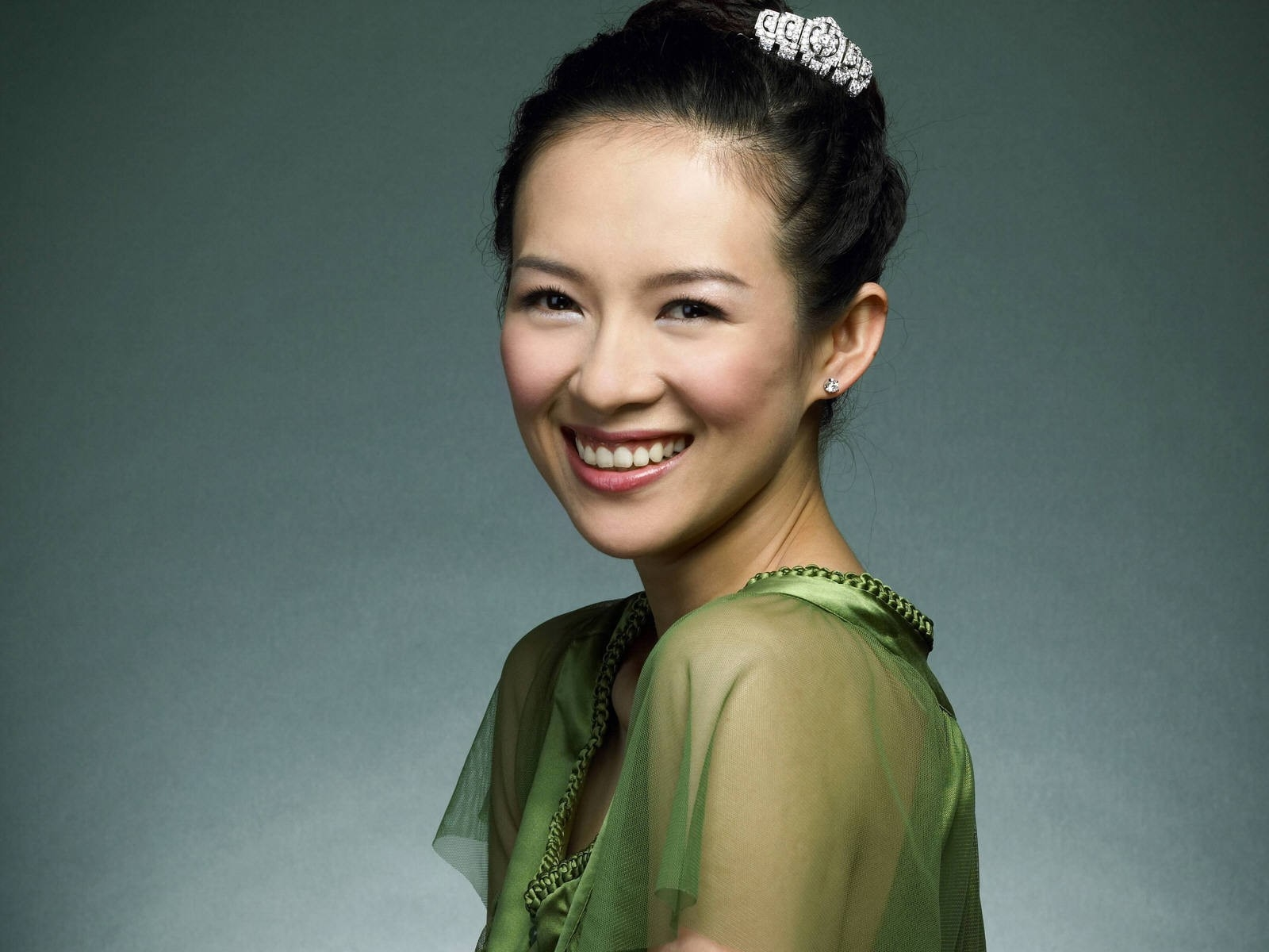 Wallpaper di Zhang Ziyi in verde