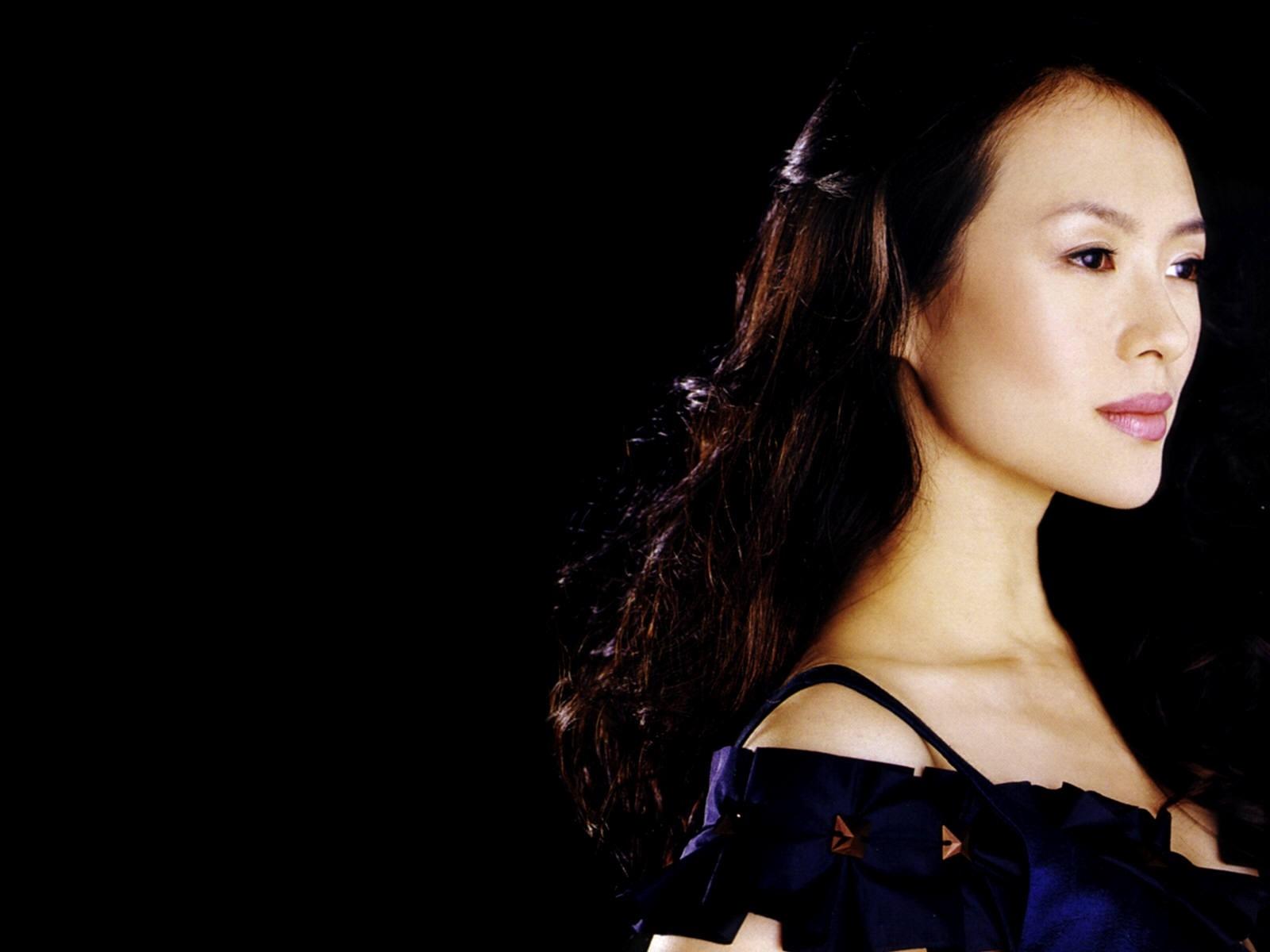 Wallpaper di Zhang Ziyi, splendida e sexy