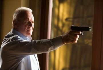 Anthony Hopkins in una scena del film Fracture