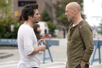 Len Wiseman e Bruce Willis sul set del film Live Free or Die Hard
