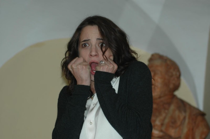 Asia Argento terrorizzata a morte in una scena del film La terza Madre