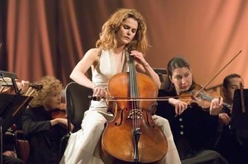 Keri Russell in una scena di La musica nel cuore