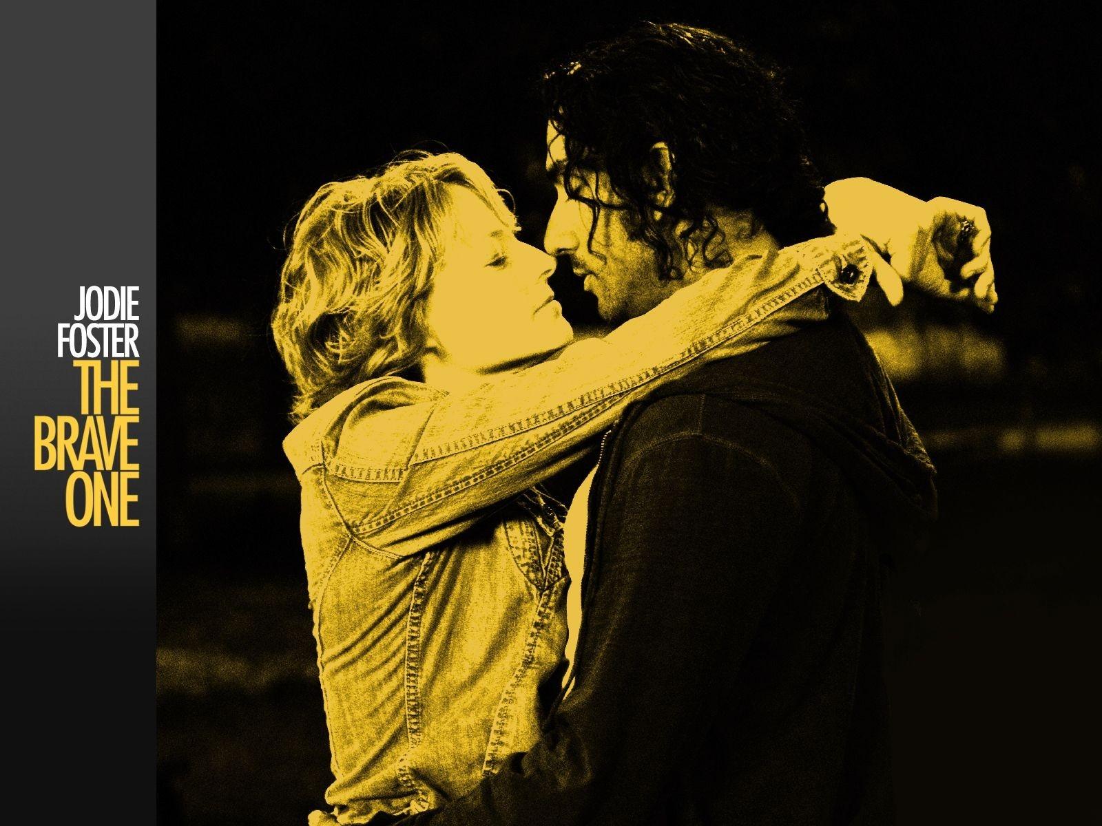 Wallpaper del film Il buio nell'anima con Jodie Foster e Naveen Andrews